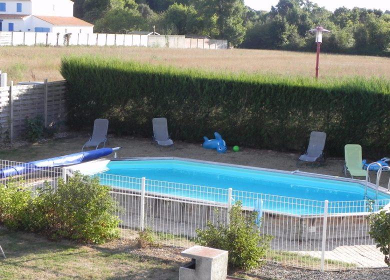 Chambre La plage aux galets avec piscine à proximité de Saint Gilles Croix de Vie