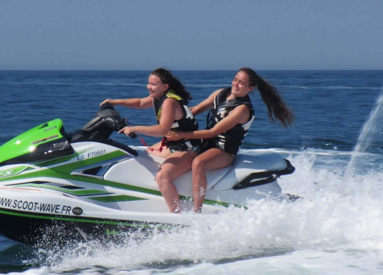 SCOOTER DES MERS – SCOOT-WAVE RACING