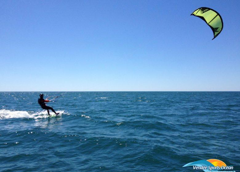 COURS DE KITE-SURF – VENDÉE SPORTS OCÉAN