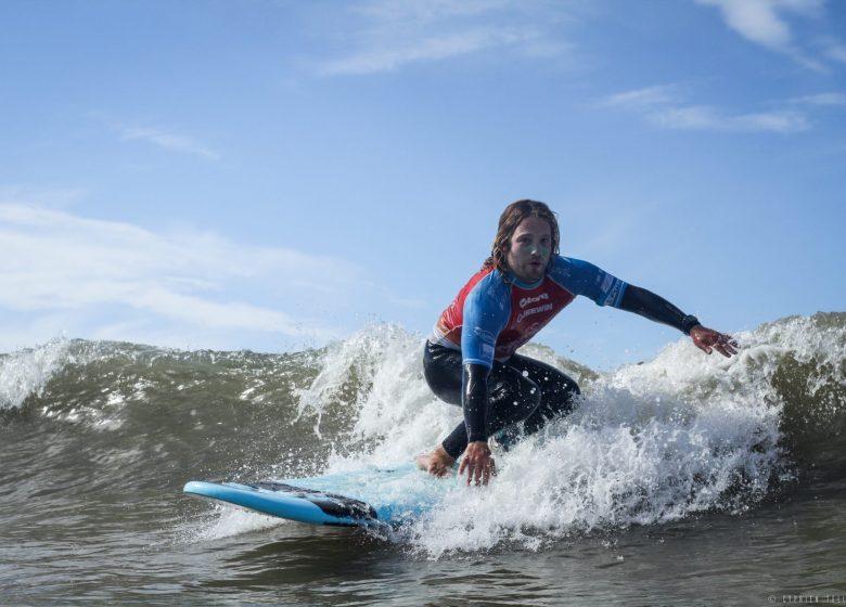 COURS ET STAGES DE SURF – BASE NAUTIQUE DES DEMOISELLES